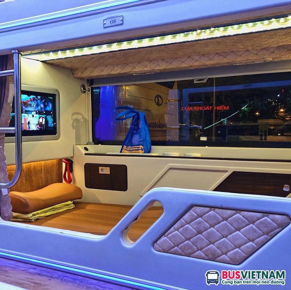 Xe Quang Hạnh limousine 22 phòng